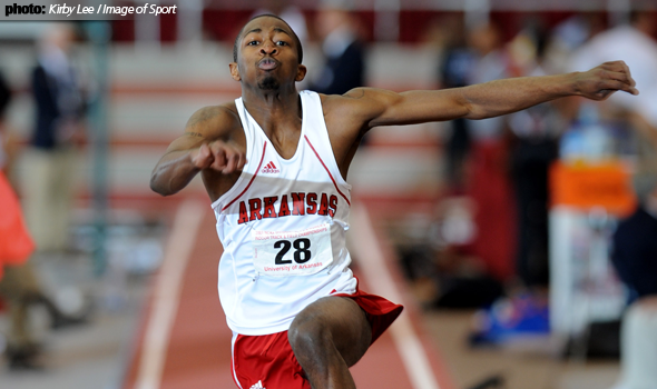 Arkansas' Nkosinza Balumbu punches NCAA ticket at Razorback Invite